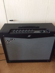 Fender Mustang Amp mit 2x12