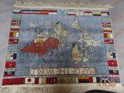 Schöner Teppich mit Weltkarte