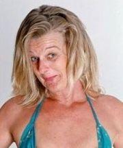 humorvolle blonde Frau sucht zärtliche