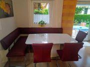 Eckbank und Tisch Stühle