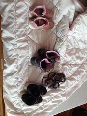 5 Kinder Schuhepaare suchen ein