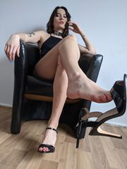MISTRESS MAY SUCHT