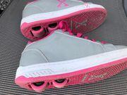 Schuhe mit Rollen - Gr 34