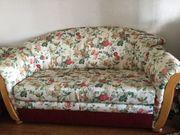Schlafcouch und 4 Sitzer Couch