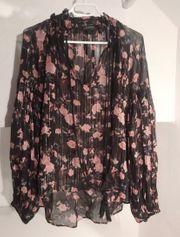 Bluse mit Blumenmuster Zara
