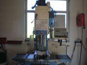 CNC -Bohr- und Fräsmaschine