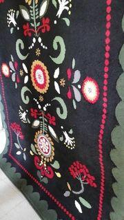 Ikea Teppich schwarz mit Muster