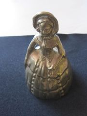 Glocke Tischglocke Frau mit Hut