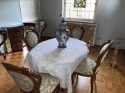 Tisch mit Stulle antik