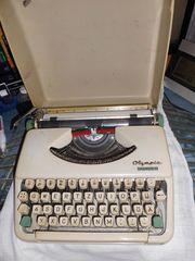 Reiseschreibmaschine Olympia Splendid 33