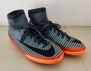 Hallenschuhe Fußball Nike Gr 34