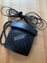 Telefon im Design von F