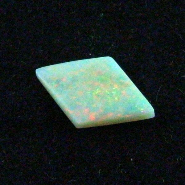 Großer White Opal 4 65