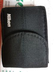 Schwarze Fototasche von Nikon mit