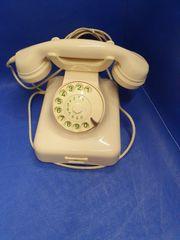 Sehr altes Telefon Modell W48