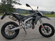 Aprilia SX50 Silver Carbon Edition