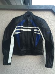 Motorrad Lederjacke und Lederhose by