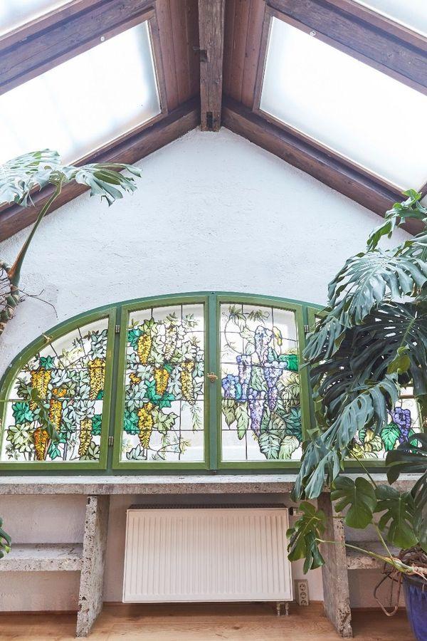 Großzügiges möbliertes Wohn-Atelier mit Loftcharakter