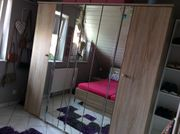 Komplettes Schlafzimmer Schrank Bett 2