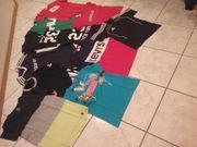 1 Karton mit T-shirts