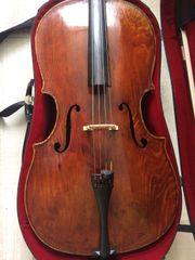 Altes Cello mit unbekannte Herkunft