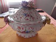 Gebäckdose aus Porzellan mit Blumendekor