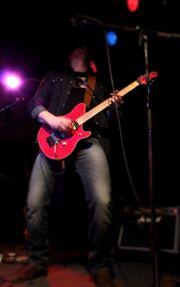Gitarrist Songwriter Sänger sucht Band
