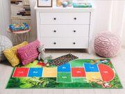 Kinderteppich grün Tier-Motiv mit Hüpfspiel