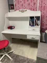Schreibtisch Mädchen