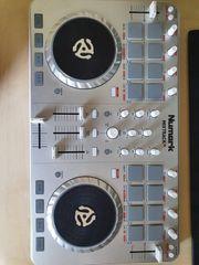 Dj Controller Numark Mixtrack 2