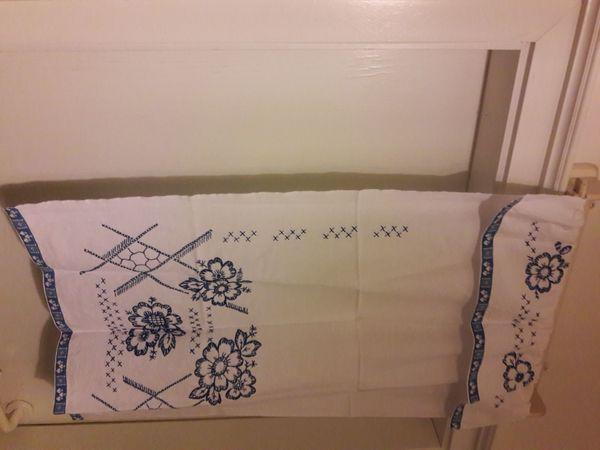 Küchen-Handtuchhalter Wandboard mit schönem Übertuch