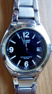 Gute Edelstahl-Marken-Armbanduhr CASIO 5 BAR Datumanzeige