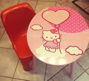 Tisch Hello Kitty mit Plastikstuhl