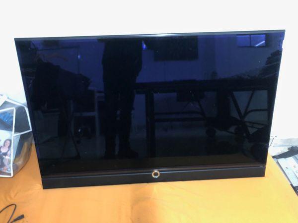 Löwe Individual 55 LCD Flachbildschirmfernseher