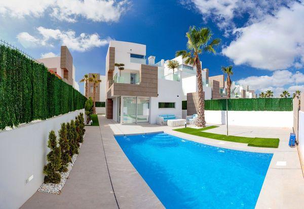 Spanien - Guardamar - 4-Zimmer-Ferienhäuser in Strandnähe