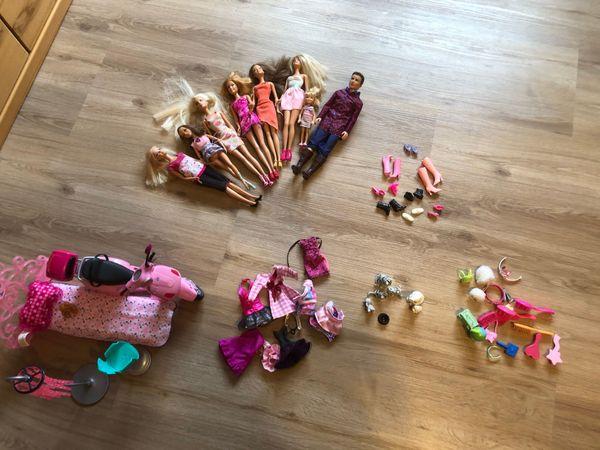 Barbie-Puppen mit Zubehör