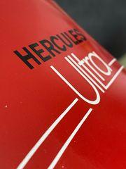 Hercules Ultra die rote Sitzbankverkleidung