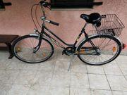 Zwei Fahrräder mit Nabenschaltung