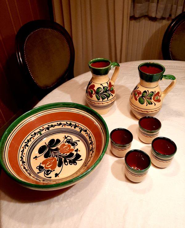 Weinkrüge Becher Salatschüssel aus Ungarn