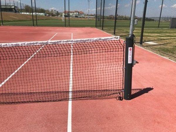 Tennisplatzequipment - Windschutzmatten etc