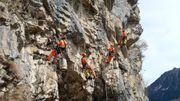 Seilarbeiter in Felssicherung Schweiz