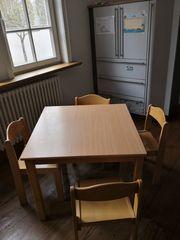 Kindertisch und 4 Stühle Dusyma