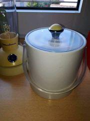 Eiswürfelbehälter mit Henkel weiß