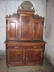 alter Schrank