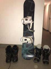 Snowboard mit Auswahl 2 Boots