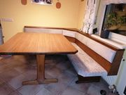 Eckbank mit Tisch