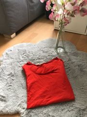 Einfarbiges T-Shirt in rot