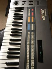 Roland JX8P analoger Synthesizer