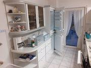 Komplette Küche mit Geräten