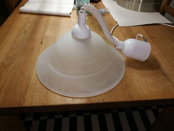 Esstischlampe mit Energiesparleuchte